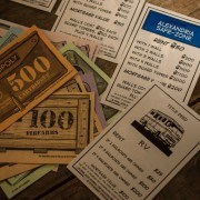 WD Monopoly pénzek és kártyák
